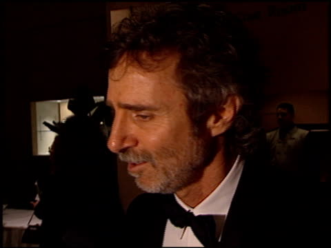 stockvideo's en b-roll-footage met curtis hanson at the 1998 producers guild of america awards at the beverly hilton in beverly hills california on march 3 1998 - producers guild of america