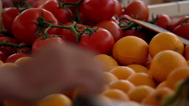 cus fresh fruit available at a market stall - garlic stock videos & royalty-free footage