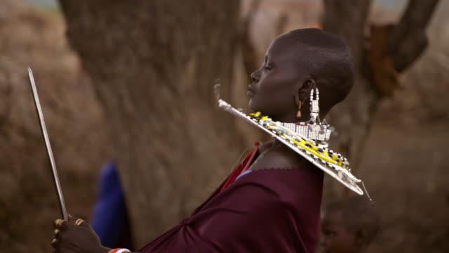 vidéos et rushes de cus people at a maasai ceremony - objet manufacturé