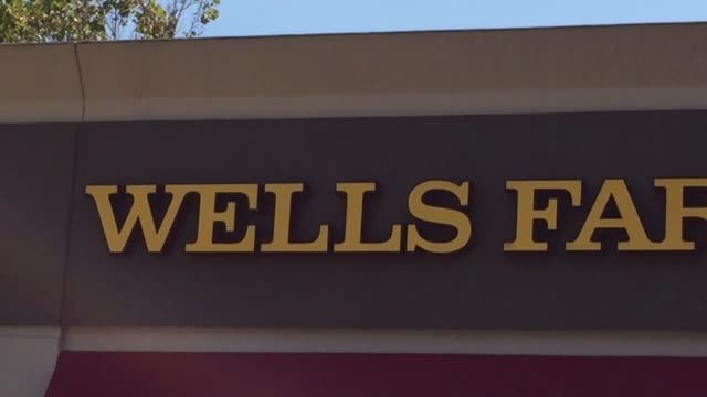 vidéos et rushes de customer exits wells fargo branch in san bruno calif customer exits wells fargo branch in san bruno calif wide shot of west side of wells fargo... - lawsuit