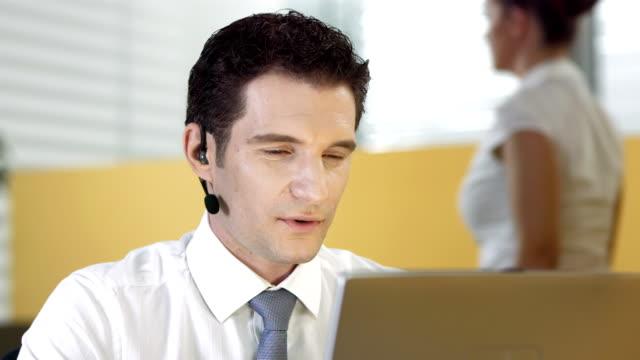 HD DOLLY: Customer Service Representative