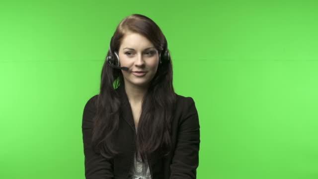 kunden-support-grüner bildschirm - mikrofon stock-videos und b-roll-filmmaterial