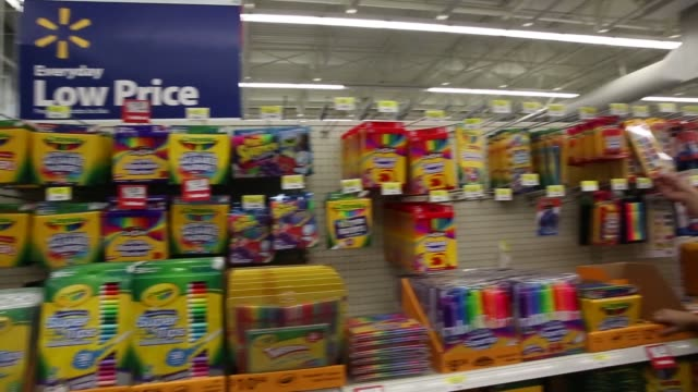 customers browse school supplies at a walmart stores inc location in the porter ranch neighborhood of los angeles california us on thursday august 6... - 学校備品点の映像素材/bロール