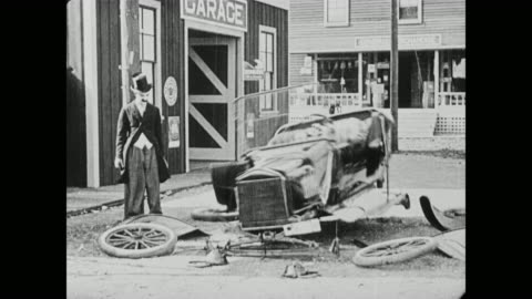 1920 a customer's rental car falls apart - slapstick comedy stock videos & royalty-free footage