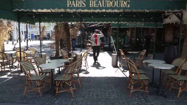 customers return to restaurants as wait staff ensures safety measures are in place as france enters the next stage of lockdown loosening in paris... - tape measure stock videos & royalty-free footage