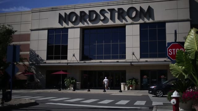 stockvideo's en b-roll-footage met customers shop and stores are pictured at easton town center in columbus ohio us on tuesday aug 23 photographer luke sharrett/bloomberg shots wide... - nordstrom