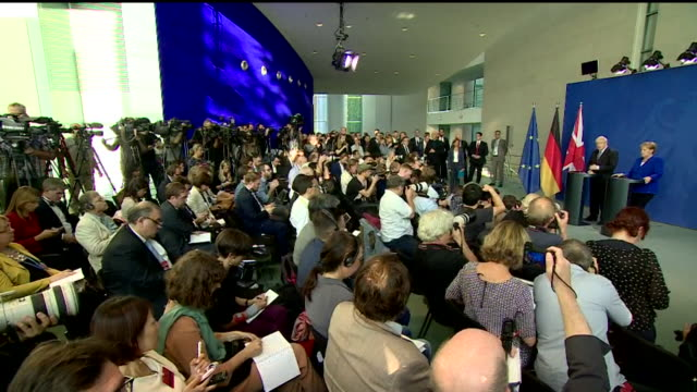 "cutaways of boris johnson pm and german chancellor angela merkel during press conference at german chancellery berlin - ""bbc news"" stock-videos und b-roll-filmmaterial"