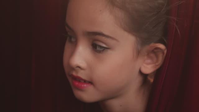 stockvideo's en b-roll-footage met schattige actrice - arts culture and entertainment