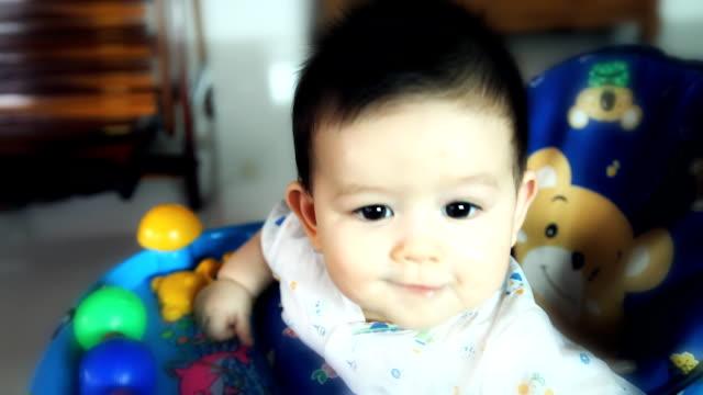 cute baby boy - endast en flickbaby bildbanksvideor och videomaterial från bakom kulisserna