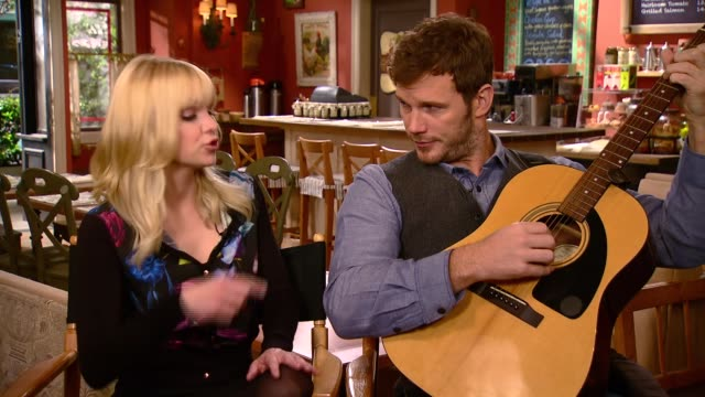Cute behind the scenes interview moments from Chris Pratt and Anna Faris before they broke up