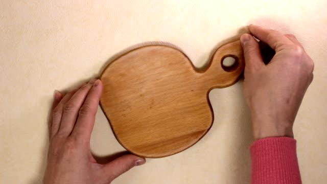 まな板 - 硬木の木点の映像素材/bロール