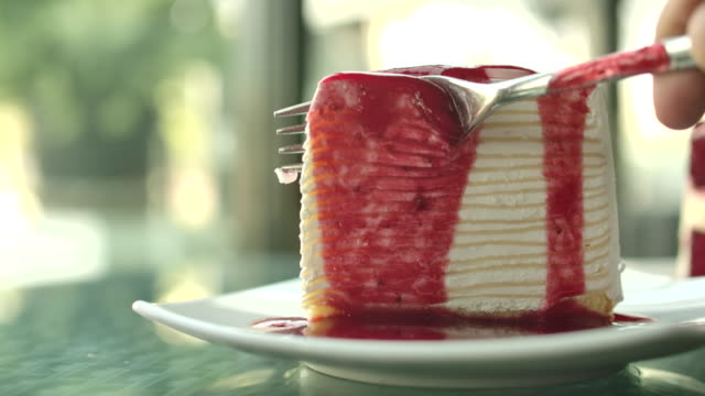 cutting cake - cutting stock videos & royalty-free footage