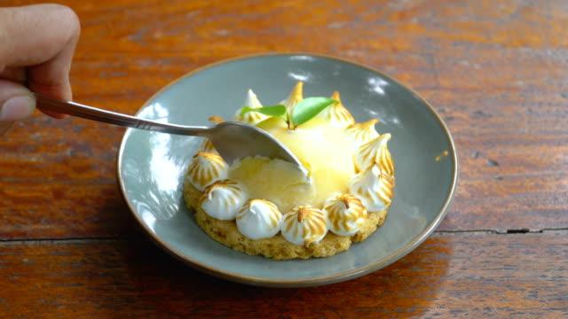 cutting lemon meringue pie - meringue stock videos & royalty-free footage