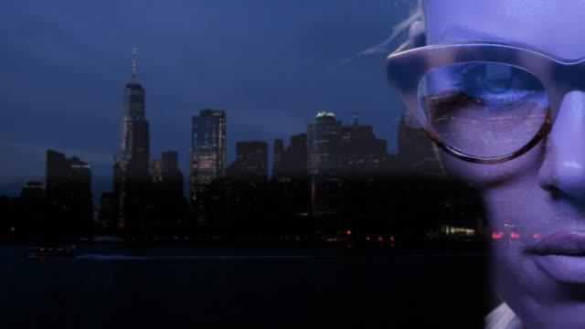 criminali informatici nell'atto di hacking. attacchi informatici a new york. - multi layered effect video stock e b–roll