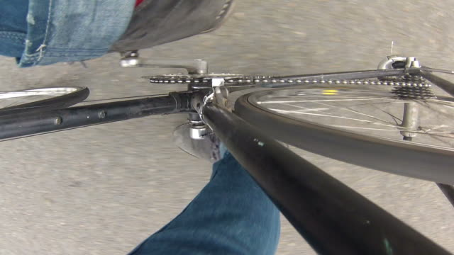 cycling point of view - winkel stock-videos und b-roll-filmmaterial