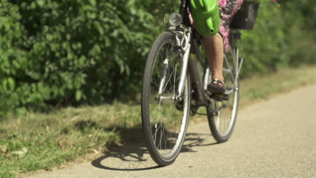 slow motion: cycling - human limb stock videos & royalty-free footage