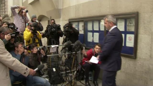 cyclist charlie alliston jailed for 18 months over death of kim briggs london old bailey matthew briggs departing court matthew briggs speaking to... - richard pallot stock-videos und b-roll-filmmaterial