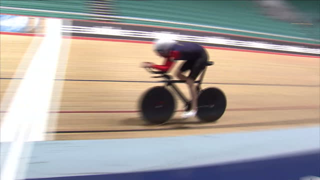 stockvideo's en b-roll-footage met cyclist sir bradley wiggins has said he's confident he will succeed in his latest challenge the olympicmedalwinner and tour de france champion plans... - recordbrekend