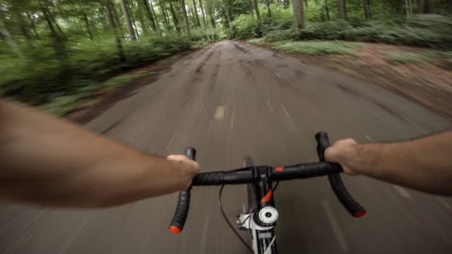 cyclocross action perspective - sport estremo video stock e b–roll