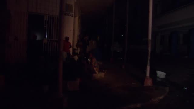 humanitarian crisis worsening warns un mozambique beira deserted streets that are dark because the electricity is out track dark street track... - cyclone stock videos and b-roll footage