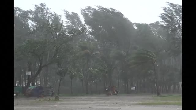 cyclone mora hits bangladesh packing winds of up to 117 kilometres per hour after authorities evacuate hundreds of thousands of people from low lying... - south asia stock videos & royalty-free footage