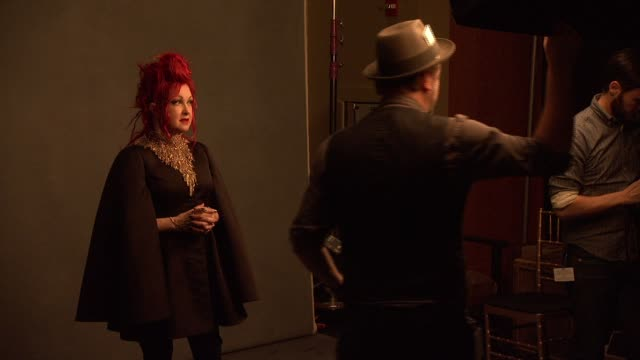 stockvideo's en b-roll-footage met cyndi lauper at 56th annual grammy awards - press room at staples center on in los angeles, california. - cyndi lauper