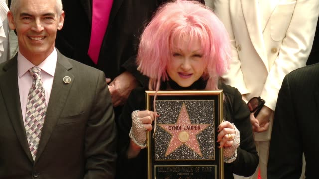 stockvideo's en b-roll-footage met cyndi lauper at hollywood walk of fame on april 11, 2016 in hollywood, california. - cyndi lauper