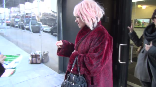 stockvideo's en b-roll-footage met cyndi lauper at the 'good day new york' studio in new york, ny, on 1/24/13. - cyndi lauper