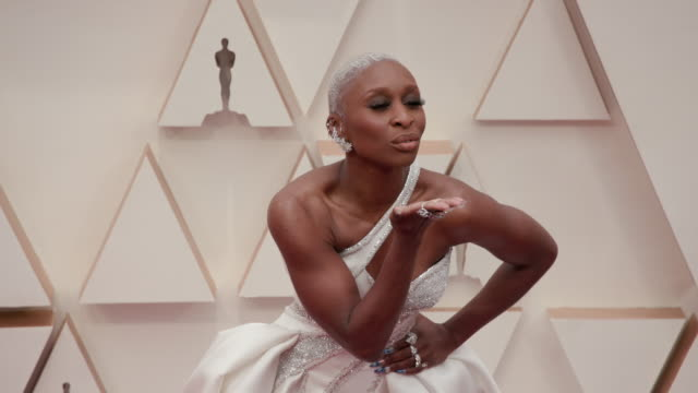 vídeos de stock e filmes b-roll de slomo cynthia erivo at dolby theatre on february 09 2020 in hollywood california - cerimónia dos óscares
