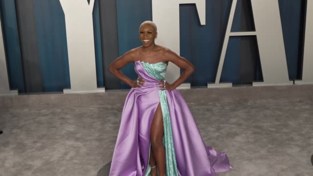 cynthia erivo at vanity fair oscar party at wallis annenberg center for the performing arts on february 9 2020 in beverly hills california - vanity fair oscarparty stock-videos und b-roll-filmmaterial