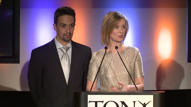 cynthia nixon announces the nominees for best performance by a leading actor and actress at the 2009 tony award nominations at new york ny - cynthia nixon stock videos and b-roll footage