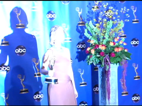 cynthia nixon winner of outstanding supporting actress in a comedy series for 'sex and the city' at the 2004 primetime emmy awards press room at the... - cynthia nixon stock videos and b-roll footage