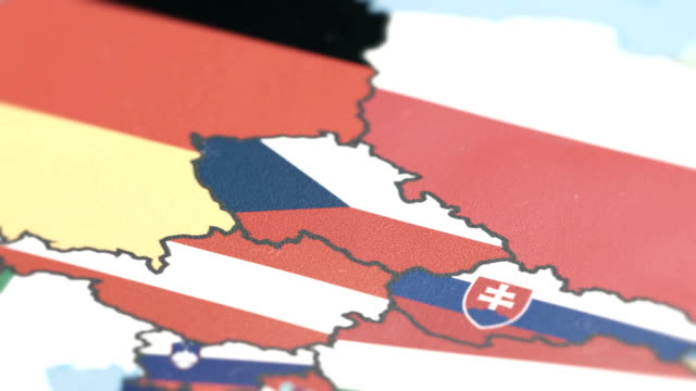 vídeos de stock e filmes b-roll de czech republic with national flag on world map - república checa