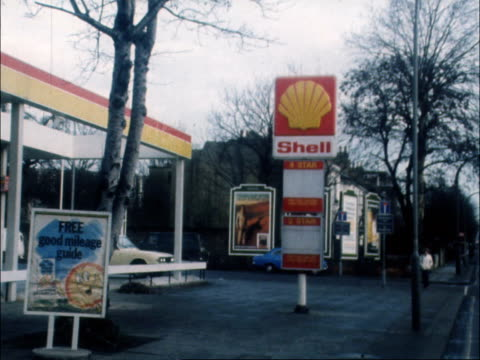 SHORTAGE d 115pm Remains MS Shell Pan Closed Sorry Temporary out of Petrol