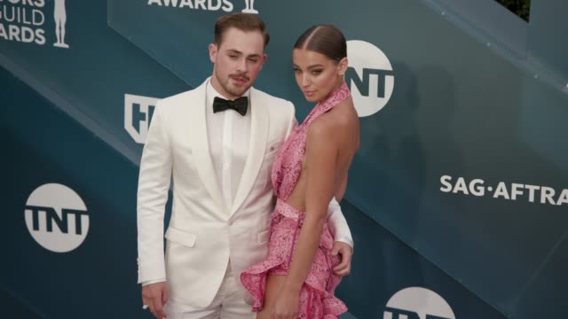 dacre montgomery and liv pollock at the 26th annual screen actors guild awards - arrivals at the shrine auditorium on january 19, 2020 in los... - screen actors guild awards stock-videos und b-roll-filmmaterial