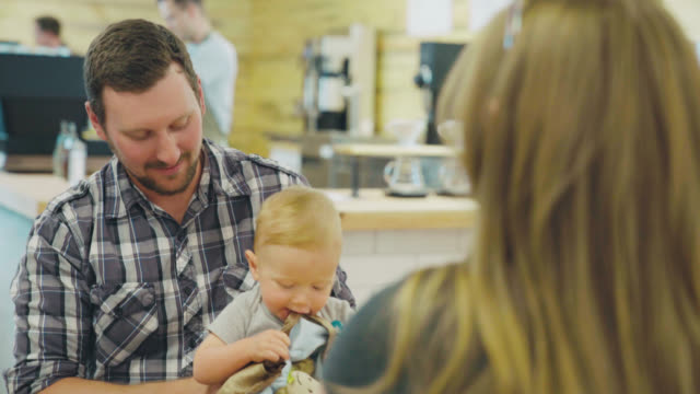 dad with toddler at coffee house - seattle coffee stock videos and b-roll footage