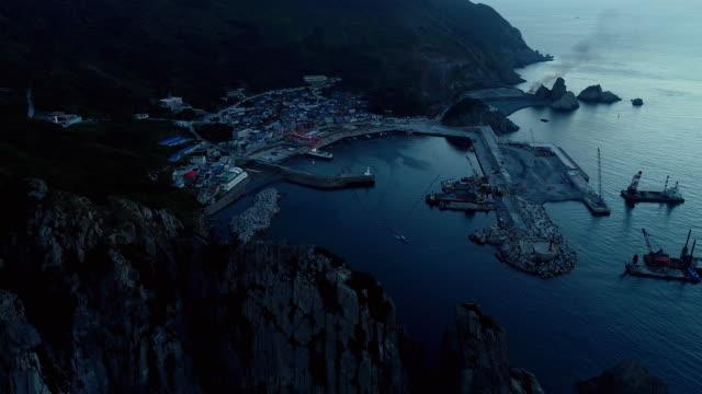 stockvideo's en b-roll-footage met daeri village (district 1) and gageodo port / sinan-gun, jeollanam-do, south korea - voor anker gaan