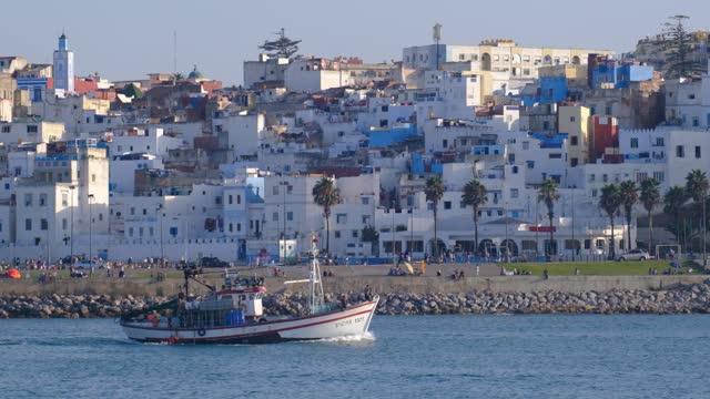 daily life style scenes of moroccan population in cities fez, larache, tangier, casablanca - モロッコ文化点の映像素材/bロール