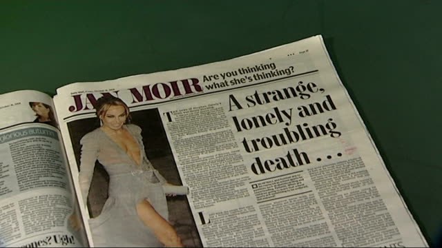 daily mail newspaper with controversial article on death of stephen gately - デイリーメール点の映像素材/bロール
