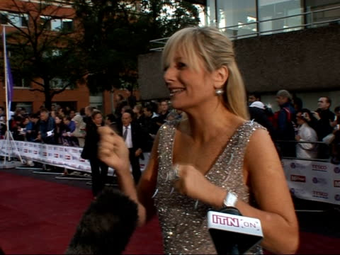 daily mirror pride of britain awards 2007: arrivals and interviews; beverley knight accompanied by unidentified man interview sot/ gaby roslin... - フィリップ スコフィールド点の映像素材/bロール