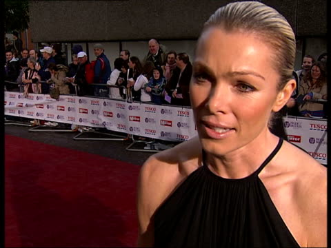 daily mirror pride of britain awards 2007: more red carpet arrivals and interviews; philip schofield general views and interview sot / nell mcandrew... - フィリップ スコフィールド点の映像素材/bロール