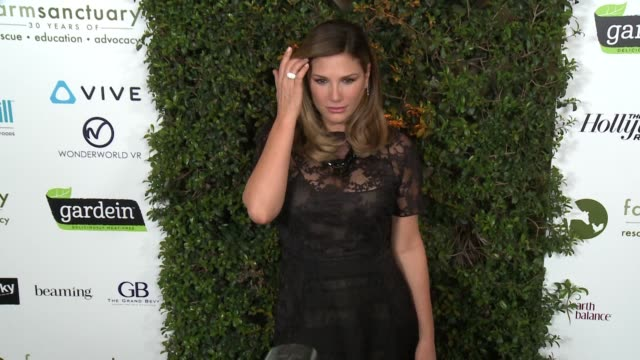 daisy fuentes at farm sanctuary's 30th anniversary gala in los angeles ca - daisy fuentes stock videos and b-roll footage