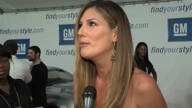 daisy fuentes on the fashion show and on her love of fashion at the gm ten event in los angeles california on february 28 2006 - daisy fuentes stock videos & royalty-free footage