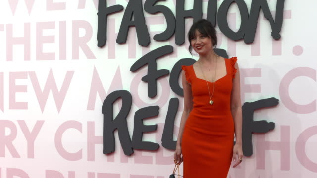 daisy lowe at fashion for relief fashion catwalk - the 71st cannes fillm festival at aeroport cannes mandelieu on may 13, 2018 in cannes, france. - カンヌ・マンデリュー空港点の映像素材/bロール