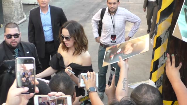 daisy ridley, gwendoline christie, and laura dern with fans at the 'jimmy kimmel live!' studio in hollywood at celebrity sightings in los angeles on... - celebrity sightings stock videos & royalty-free footage