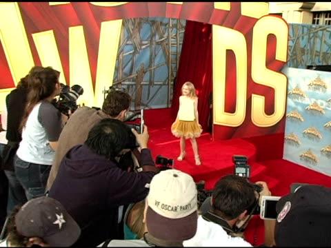 dakota fanning at the 2005 mtv movie awards arrivals at the shrine auditorium in los angeles, california on june 4, 2005. - shrine auditorium stock videos & royalty-free footage