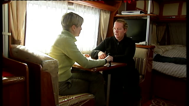 dale farm travellers' site evictions bailiffs move in england essex crays hill dale farm ext various of paramedics starting up emergency generator... - デールファーム点の映像素材/bロール
