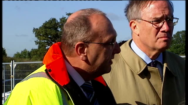 dale farm travellers' site evictions: bailiffs move in; superintendent trevor roe speaking to press sot - serious violence was offered to two... - basildon stock videos & royalty-free footage