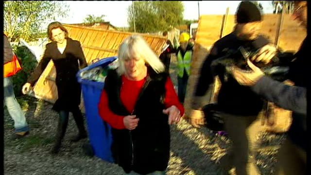 dale farm travellers' site evictions bailiffs move in vox pop kathleen mccarthy speaking to press sot we were waiting for the bailiffs and police /... - ジャッキー ロング点の映像素材/bロール