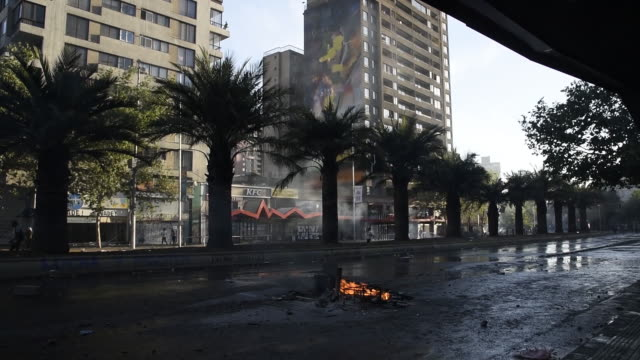 stockvideo's en b-roll-footage met damage after protests against price hikes in santiago chile on monday oct 21 2019 - chile